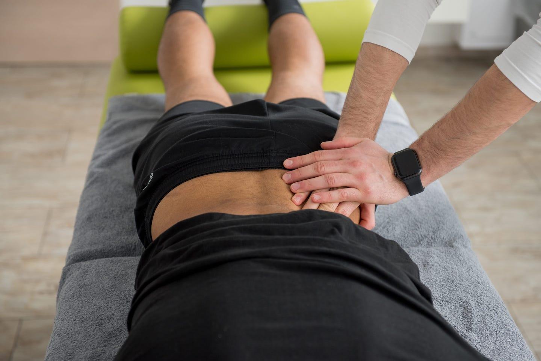 Physiotherapeutische Behandlung bei GROUNDUP in Homburg